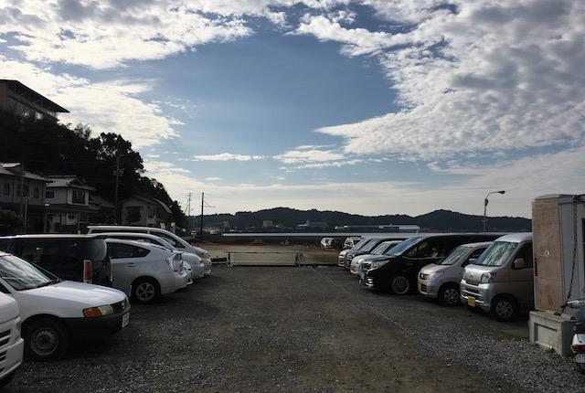湯島定期船乗り場駐車場
