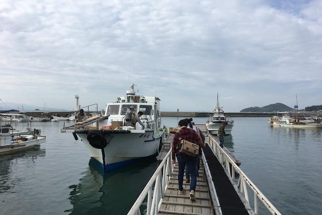 湯島定期便乗り場