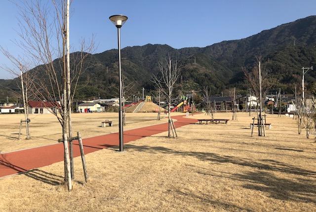龍峯やまびこ公園