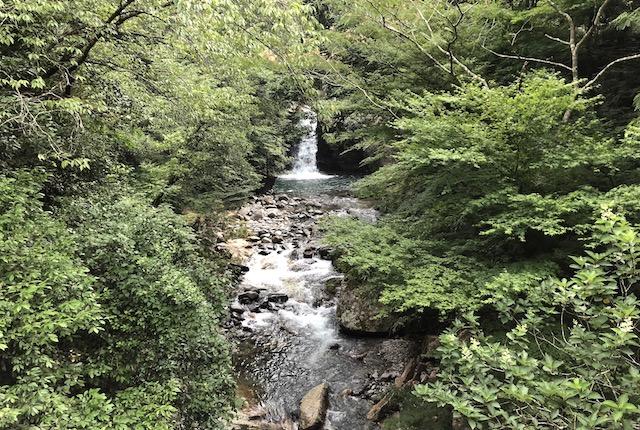 岳間渓谷滝