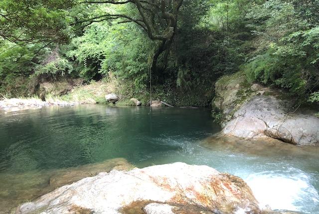 岳間渓谷川遊び