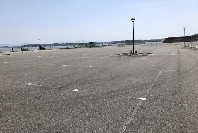 三角港緑地公園駐車場