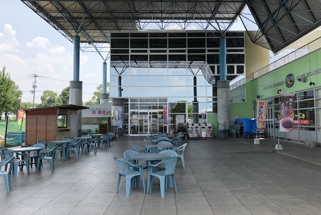 水辺プラザかもと物産館