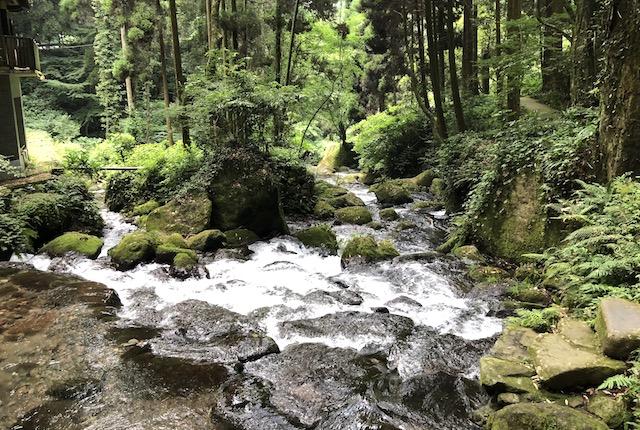 白糸の滝川