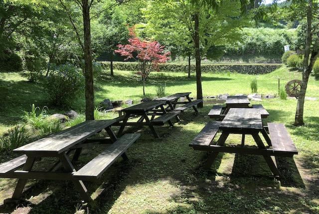 立岩水源公園休憩所