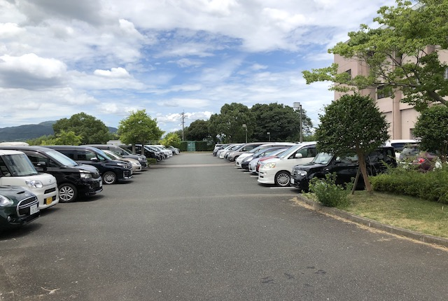 玉名市総合体育館駐車場