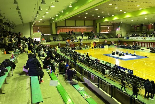 青柳公園市民体育館2階自由席