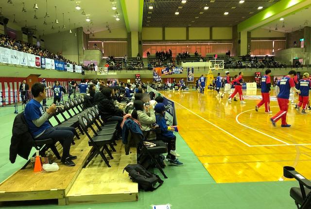 青柳公園市民体育館コートサイドA席