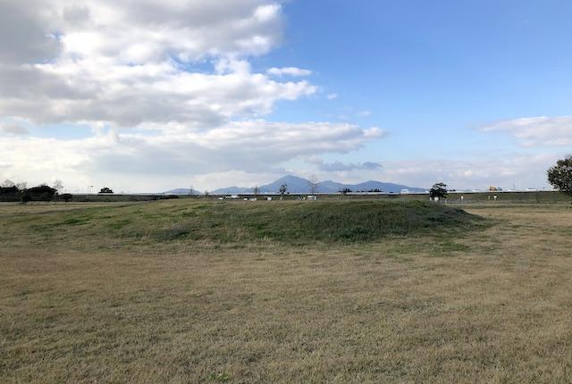 高田みんなの広場公園築山