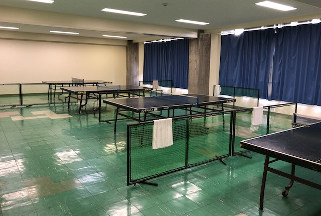 青柳公園市民体育館卓球室