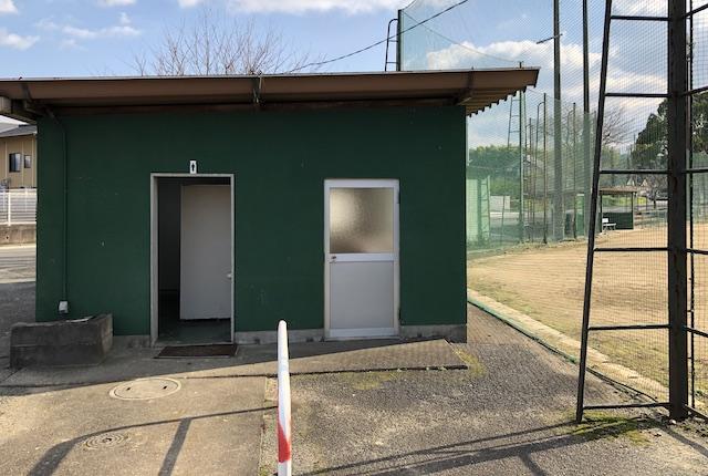 美里町町営球場トイレ