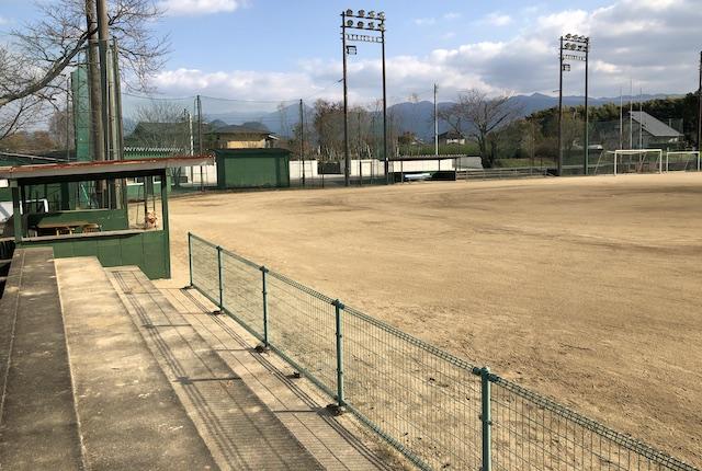 美里町町営球場東側