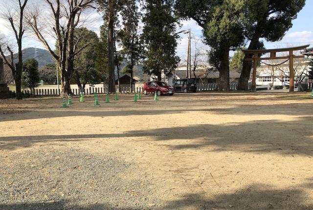 若宮神社駐車場