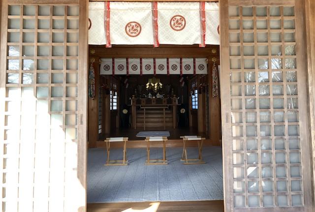 六嘉神社社殿