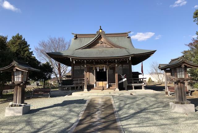 六嘉神社拝殿