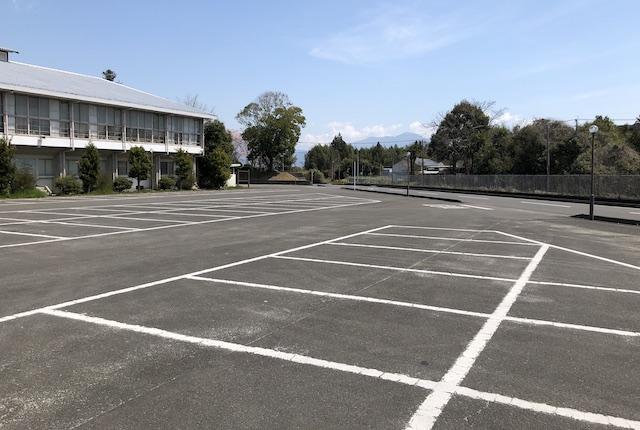 あさぎり町免田総合体育センター駐車場