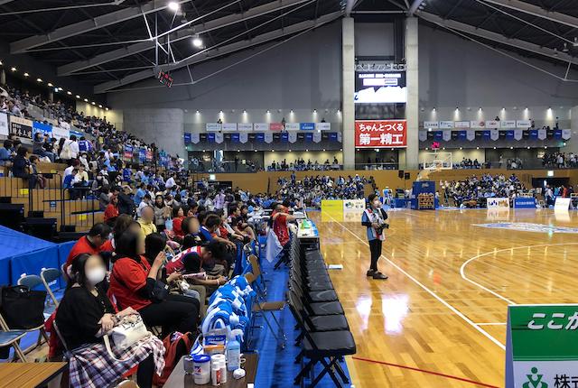 松江市総合体育館ベンチ裏スーパーシート