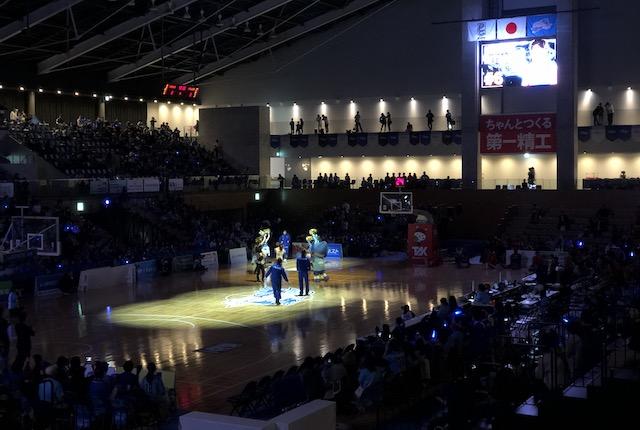 松江市総合体育館ホーム選手入場