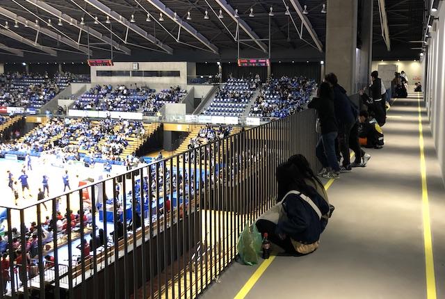 松江市総合体育館立見席