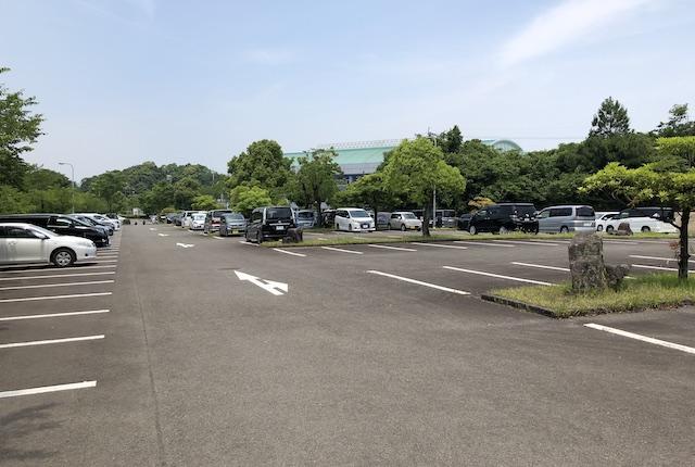 吉田文化体育センター駐車場