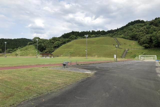 岡原総合運動公園駐車場