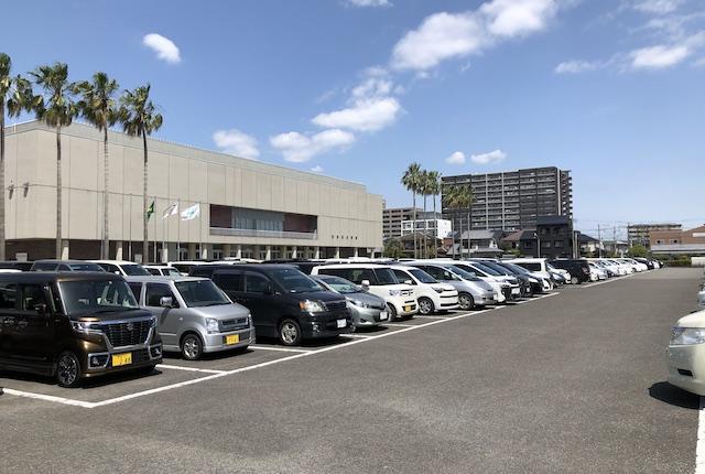 宮崎県体育館駐車場
