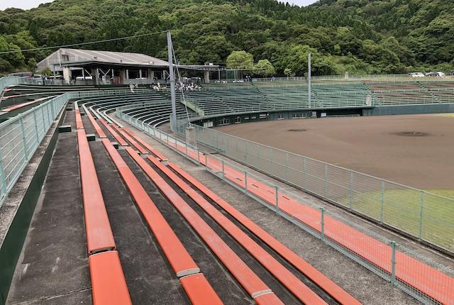 薩摩川内市総合運動公園野球場内野スタンド