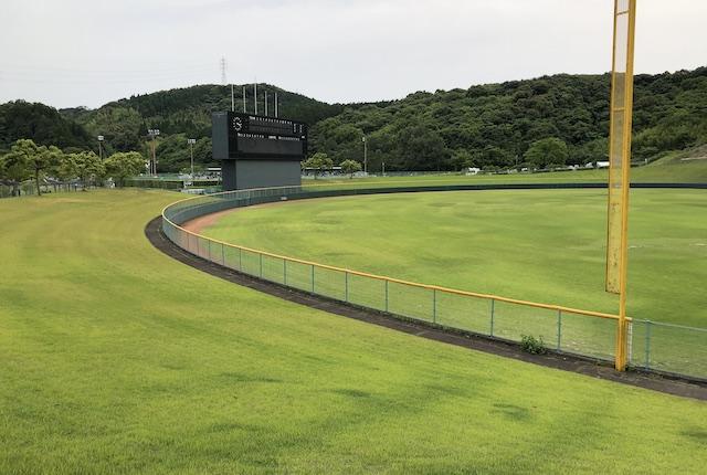 薩摩川内市総合運動公園野球場外野芝生席