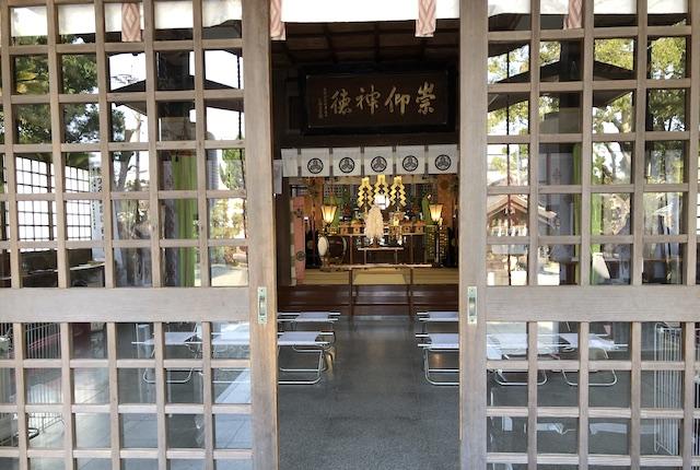 本渡諏訪神社拝殿
