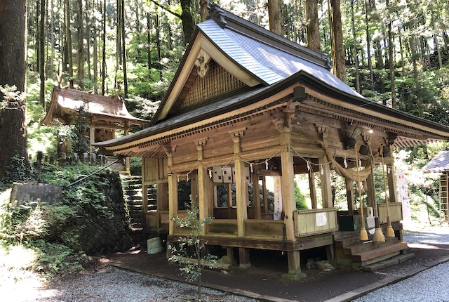 上色見熊野座神社本殿