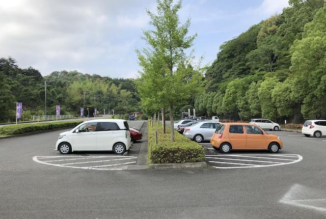 西の久保公園駐車場