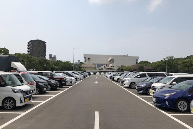 大分県立総合体育館駐車場