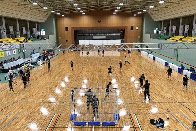 横川体育館アリーナ