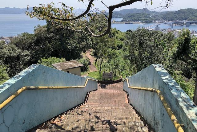 まつたけ山展望所階段