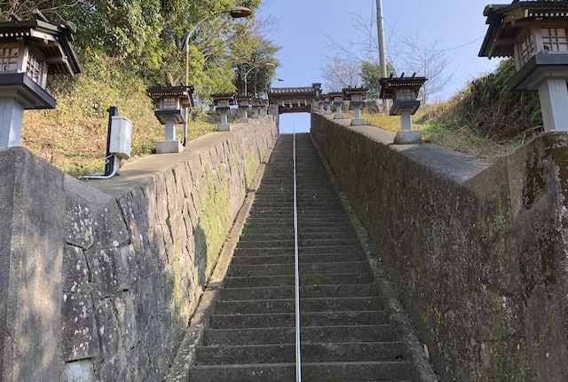 登立天満宮階段