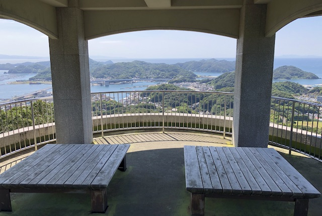 遠見山桜木展望所2階