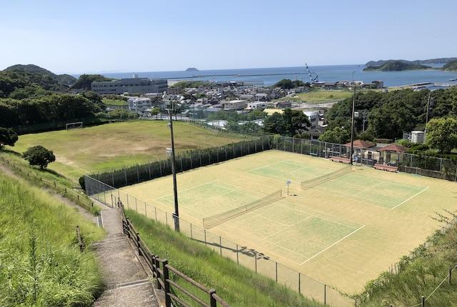 うしぶか公園テニスコート