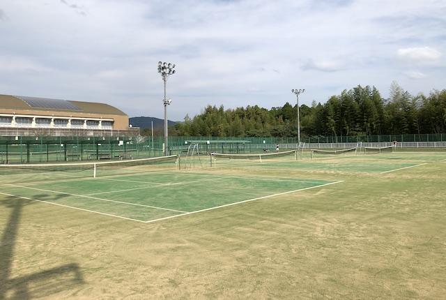 山鹿市カルチャースポーツセンターテニスコート