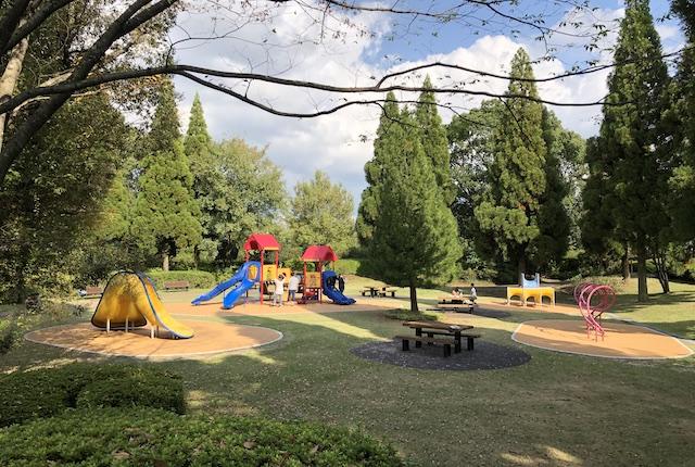 テクノ中央緑地遊具広場