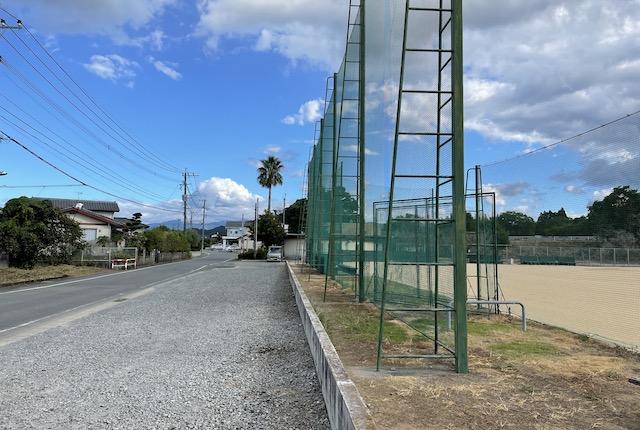 塚原グラウンド駐車場