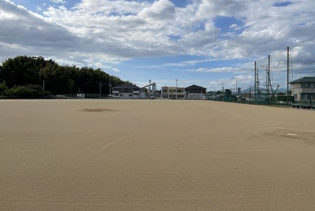 塚原グラウンド野球場